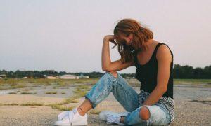Finden Sie den besten Jeans-Stil für Sie, basierend auf Ihrem Sternzeichen