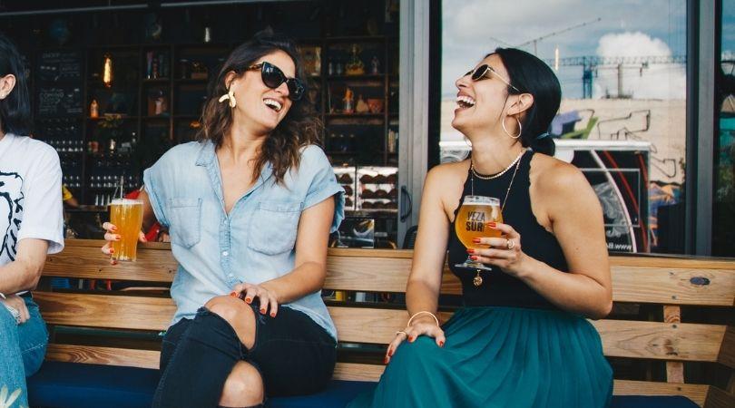 Ein paar Möglichkeiten, wie man Freunde gewinnt
