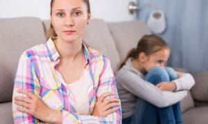Wahre Anzeichen, dass Ihre Mutter eine Narzisstin ist