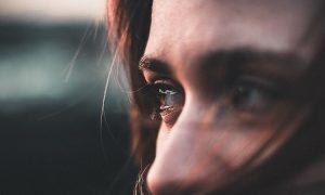 So lösen Sie festgefahrene Emotionen in Ihrem Körper