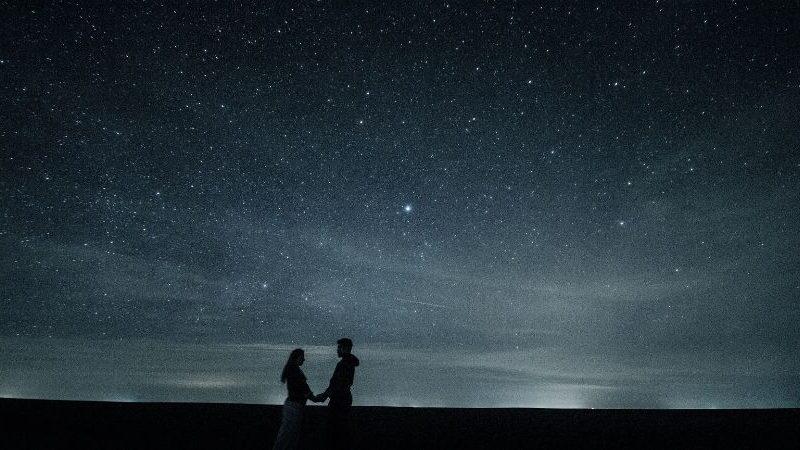 Diese 4 Sternzeichen werden sich im Oktober 2021 verlieben
