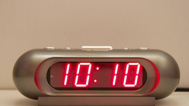 Was bedeutet es, wenn Sie ständig die Engel Nummer 1010 um sich herum sehen