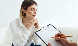 10 Anzeichen dafür, dass es an der Zeit ist, eine Psychotherapie zu beginnen