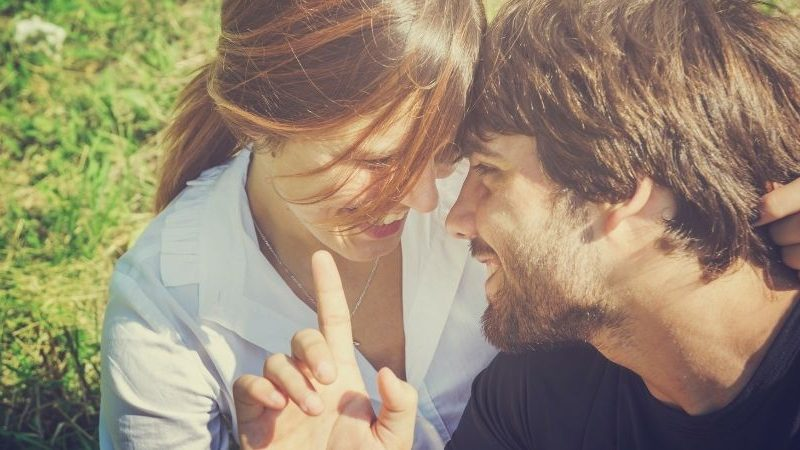 Welche 6 Sternzeichen werden 2022 Glück in der Liebe haben